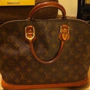 Authentic Louis Vuitton Alma Handbag w Box & Lock!